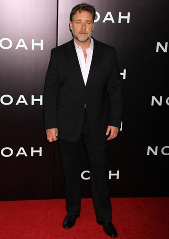 Russell Crowe Height Weight Body Shape