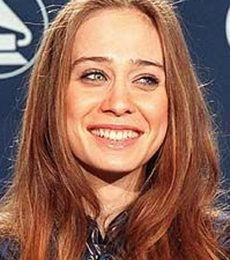 Fiona Apple Height Weight Body Measurements Bra Size Shoe Age Facts