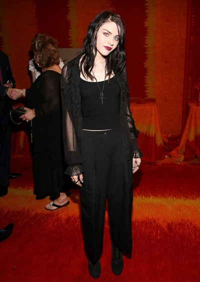 Frances Bean Cobain Height Weight Body Shape