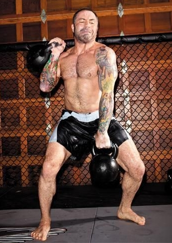 Joe Rogan Height Weight Body Shape