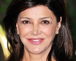 Shohreh Aghdashloo Height Weight Body Measurements Bra Size Age Facts