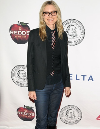 Aimee Mann Height Weight Body Shape