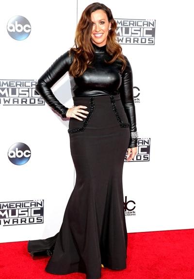 Alanis Morissette Height Weight Body Shape