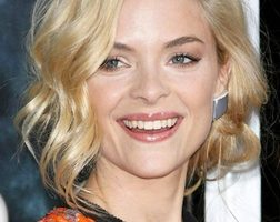 Jaime King Body Measurements Height Weight Bra Shoe Size Age Facts