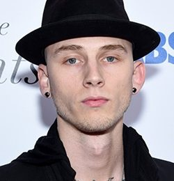 Machine Gun Kelly Height Weight Body Measurements Shoe Size Facts Family