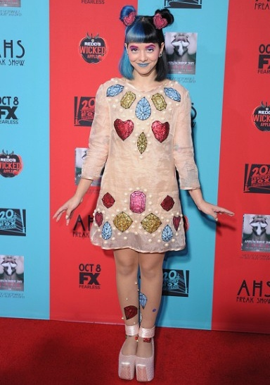 Melanie Martinez Height Weight Shoe Size