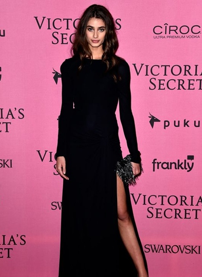 Taylor Hill Height Weight Body Shape