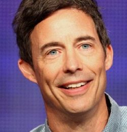 Tom Cavanagh Height Weight Age Body Measurements Facts Ethnicity