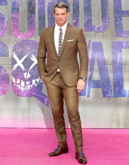 Joel Kinnaman Height Weight Body Shape