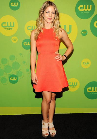 Emily Bett Rickards Height Weight Shoe Size