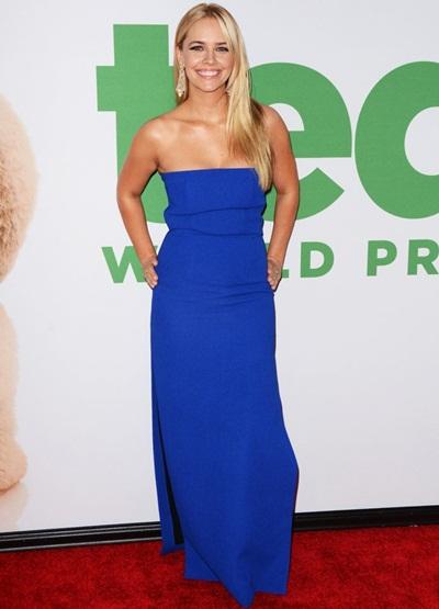 Jessica Barth Height Weight Body Shape
