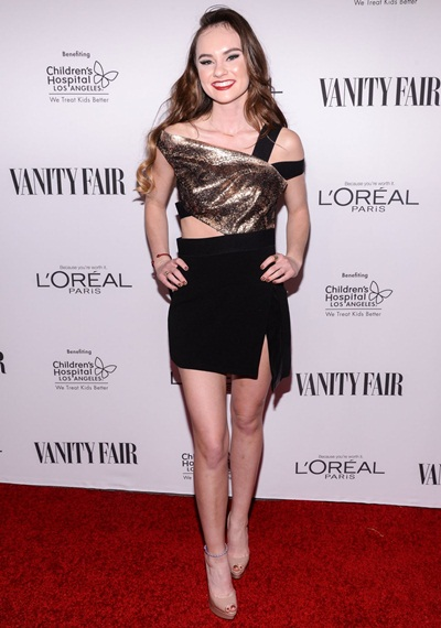 Madeline Carroll Height Weight Shoe Size