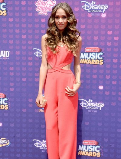 Skylar Stecker Height Weight Body Shape