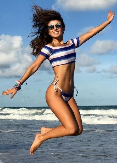 Paula Fernandes Body Measurements Bra Size