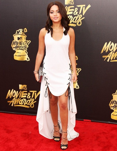 Isabela Moner Height Weight Bra Size