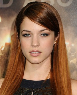 Alexis Knapp Body Measurements Height Weight Age Bra Size Facts Family