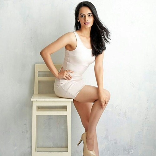 Manushi Chhillar Body Measurements Shape