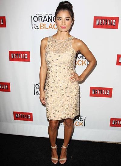Diane Guerrero Height Weight Body Shape