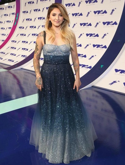 Julia Michaels Body Measurements Vital Stats