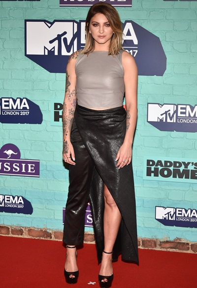 Julia Michaels Height Weight Facts