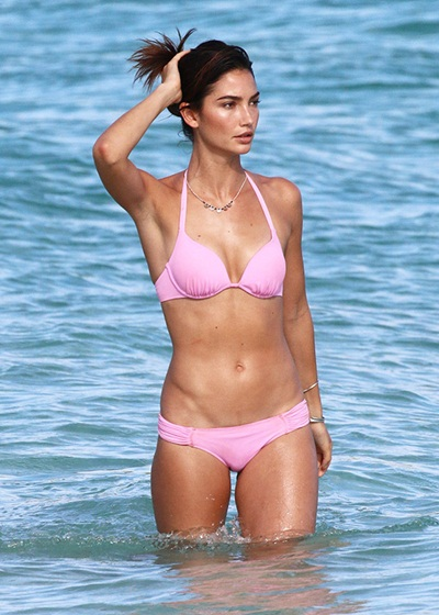 Lily Aldridge Body Measurements Bra Size