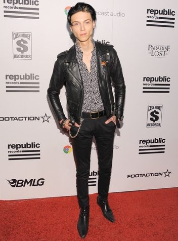 Andy Biersack Height Weight Shoe Size