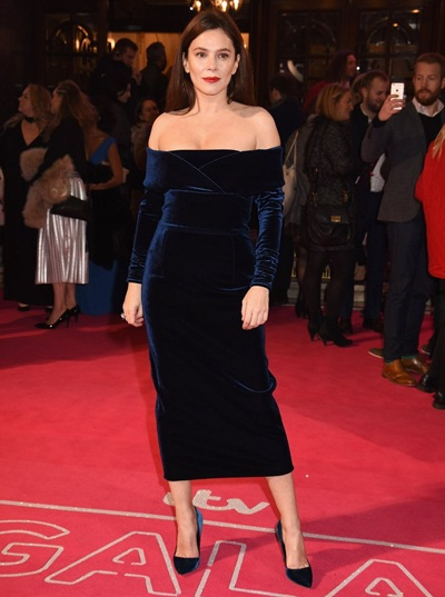 Anna Friel Body Measurements Shape