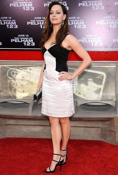 Melinda Clarke Height Weight Shoe Size