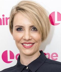Singer Claire Richards