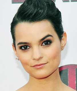 Brianna Hildebrand Body Measurements Height Weight Bra Size Age Facts