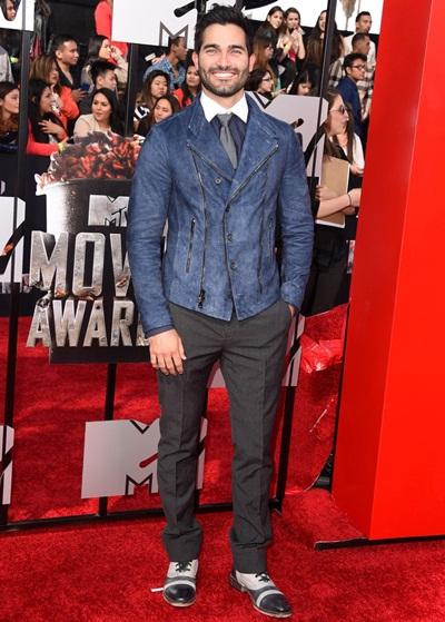 Tyler Hoechlin Height Weight Shoe Size