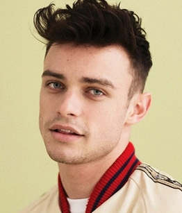 Actor Thomas Doherty