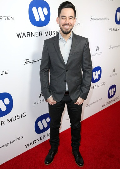 Mike Shinoda Height Weight Shoe Size