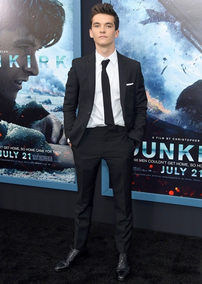Fionn Whitehead Body Measurements Facts