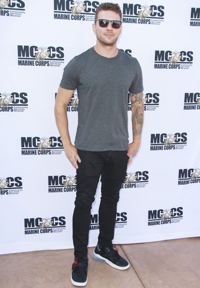 Ryan Phillippe Body Measurements Stats