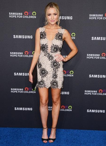 Katrina Bowden Height Weight Bra Size