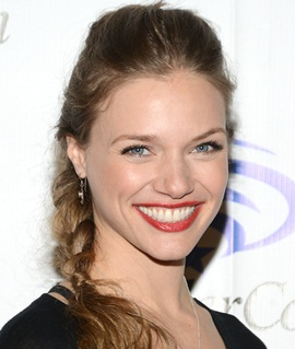 Actress Tracy Spiridakos