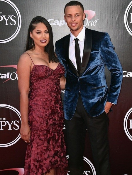 Ayesha Curry Body Measurements Stats