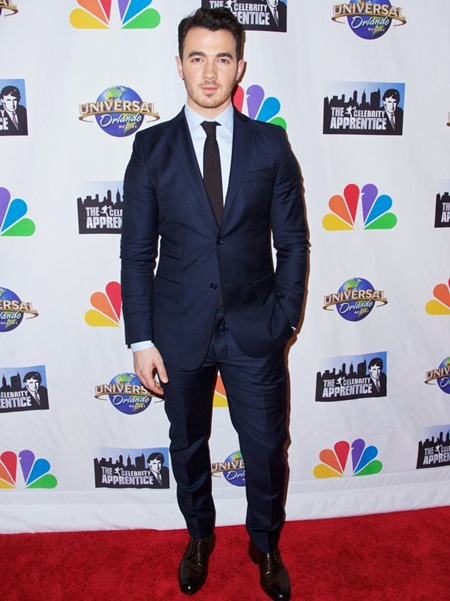 Kevin Jonas Height Weight Shoe Size