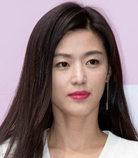 Actress Gianna Jun