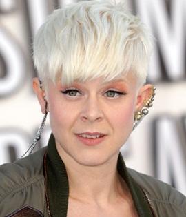 Singer Robyn Carlsson