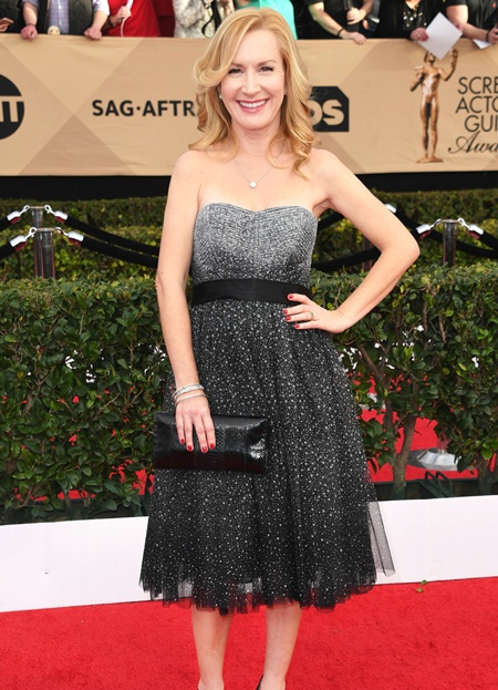 Angela Kinsey Height Weight Stats