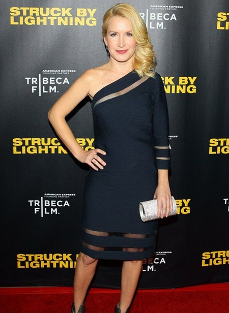 Angela Kinsey Measurements Body Stats