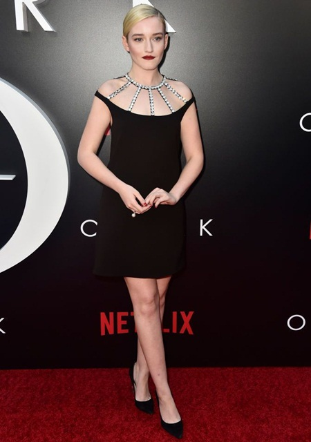Julia Garner Height Weight Stats