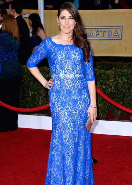 Mayim Bialik Body Measurements Stats