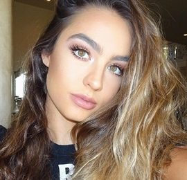 Sommer Ray Height Weight Bra Size Body Measurements Facts