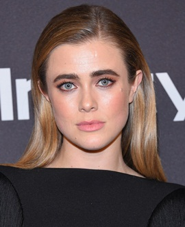 Actress Melissa Roxburgh