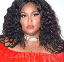 Lizzo Body Measurements Height Weight Bra Size Age Facts