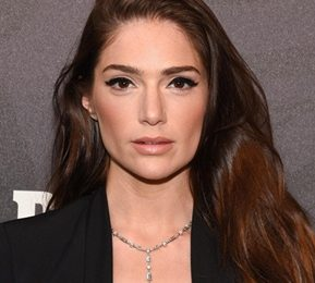 Janet Montgomery Measurements Height Weight Shoe Size Facts Family