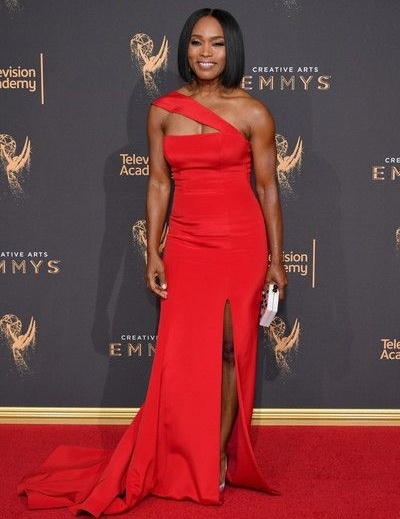 Angela Bassett Height Weight Stats